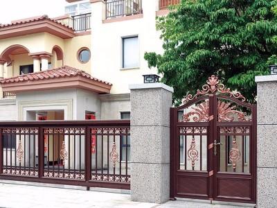 漂亮的大门装饰设计也是一种艺术!这样的铝艺别墅门喜欢吗?