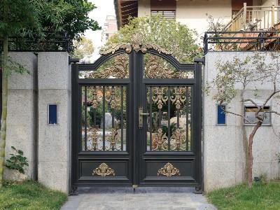 别墅院子大门方位风水 安装铝艺大门需要注意哪些?