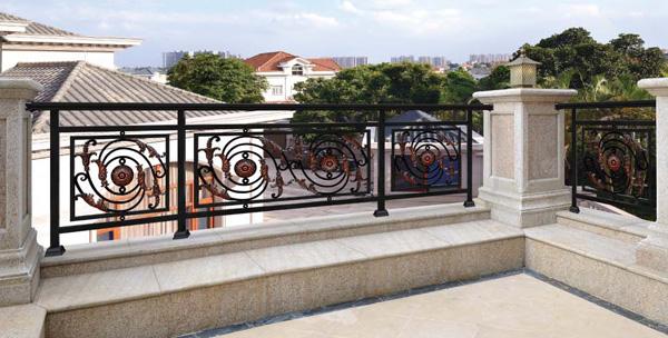铝艺护栏厂家告知您铝艺护栏的特点是什么?