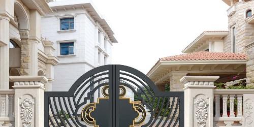 铝艺庭院大门与传统门窗相比有哪些优势?