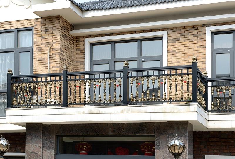 铝艺阳台护栏