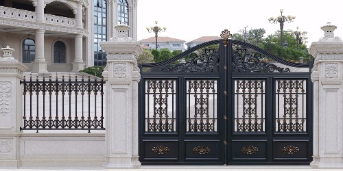 如何挑选铝艺别墅门才能够给你的家撑门面