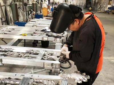 汉仁铝艺大门制作过程