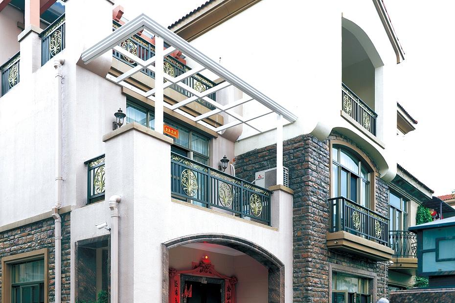 别墅阳台铝艺护栏