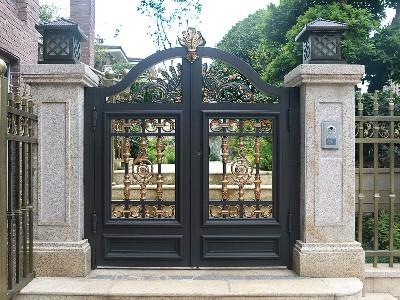欧式复古风格别墅铝合金大门定制 欧式复古有哪些特点?